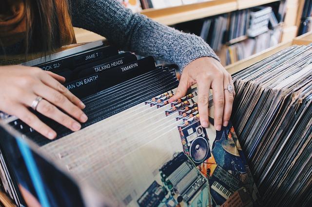 Cửa hàng bán đĩa cd gốc ở TPHCM