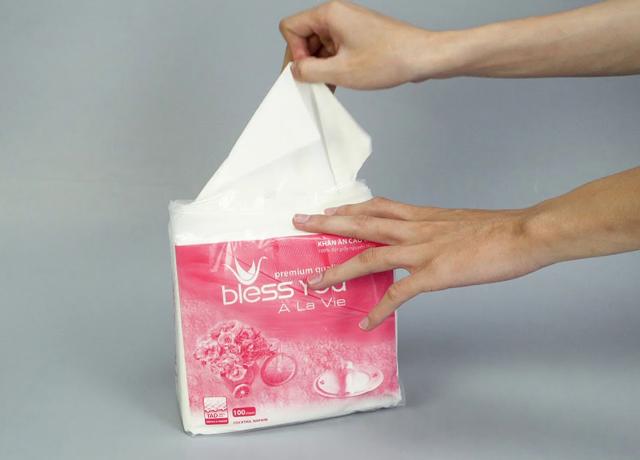 khăn giấy vuông chất lượng an toàn cho da