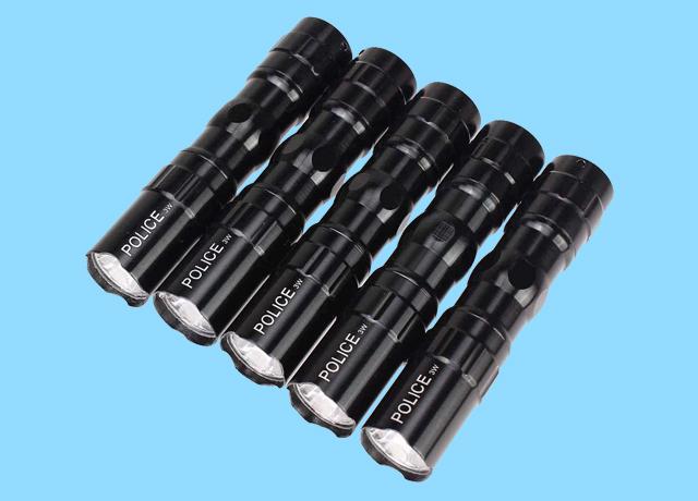 Đèn pin nhỏ với trọng lượng nhẹ dễ dàng sự dụng