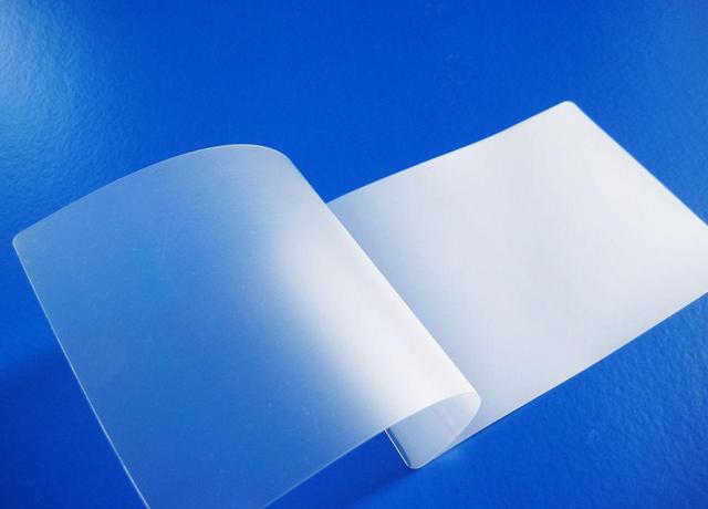 chất liệu màng bọc plastic khổ a4 bảo vệ thực phẩm