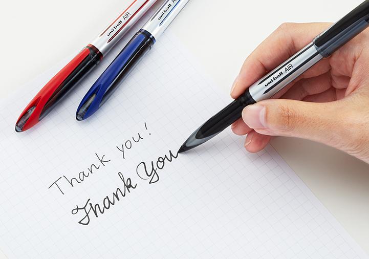 Nét chữ viết ra của 1 loại bút bi nước
